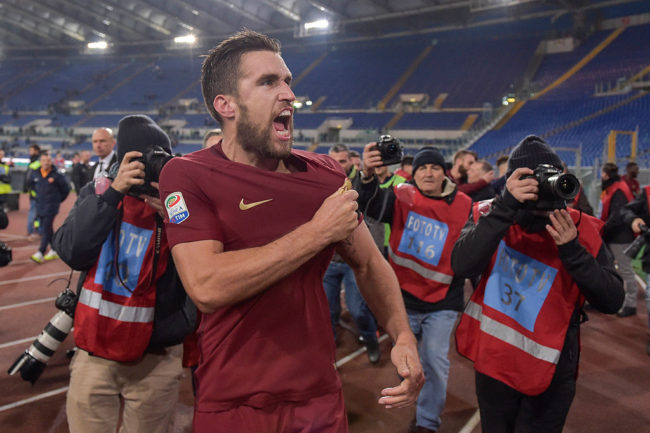 Strootman the trung thanh voi Roma, MU bo cuoc-0